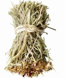 Versele Laga Snack Hay Bale Dandelion - тимоти сено, обогатен с глухарче и риган, 55 гр. 1
