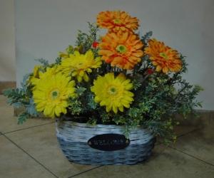 Кошници с оранжеви цветя 2