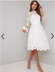 Бяла рокля Chi Chi London Flora  1