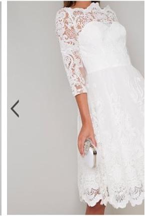 Бяла рокля Chi Chi London Flora  3